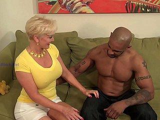Frau nackt muskulöse Muskulöse Frau